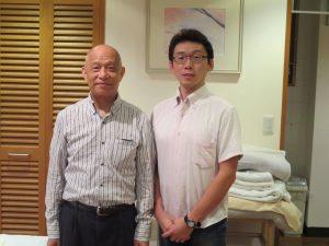 日本操体学会理事・誠快醫院院長 医師 鹿島田 忠史先生とくりた先生の写真